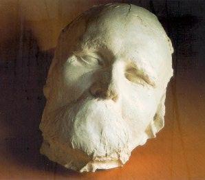 Nietzsche7-Totenmask.jpg